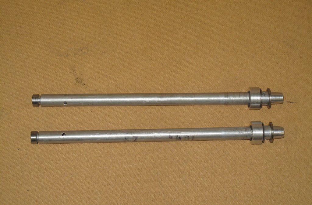 1 Pair Damper Body Aluminium NOS