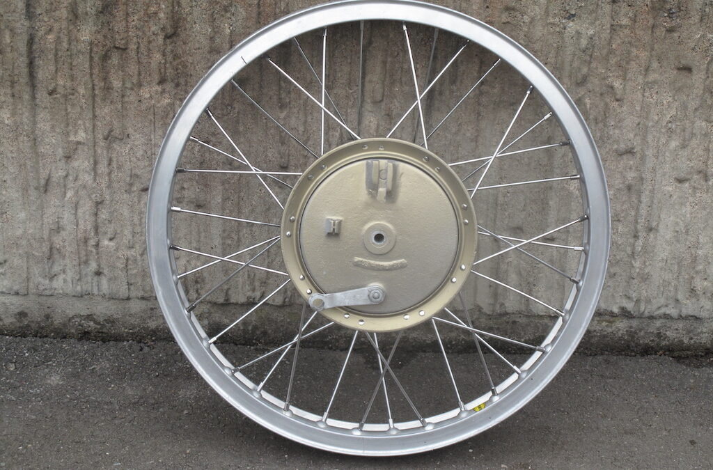"Front wheel 21"" magnesium, new spokes, alm-rim 180mm x 25mm"