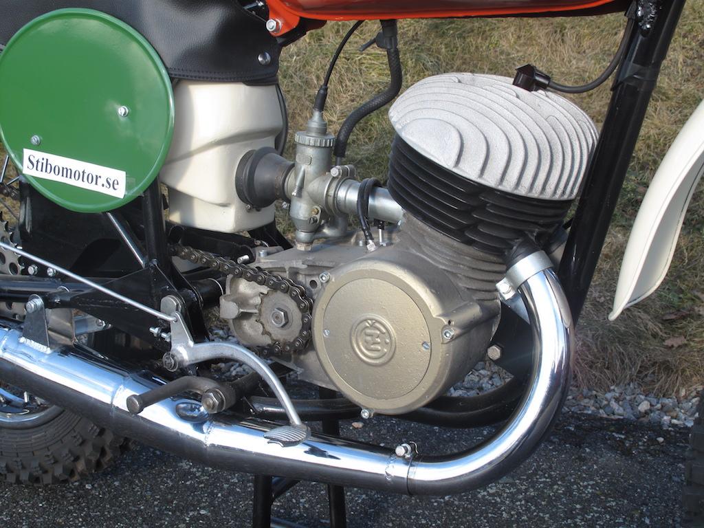 CZ 250 cc Type 968 1966 Twin Pipe