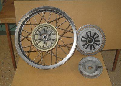 Bakhjul 18 tum Enduro med däck alternativ